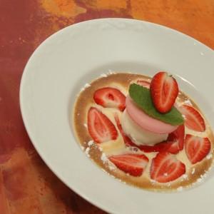 assiette de dessert aux fraises