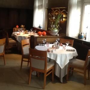 salle du restaurant le relais des ménétriers à ribeauvillé